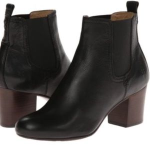 Frye Black Leather Pull On Ankle Boots 6